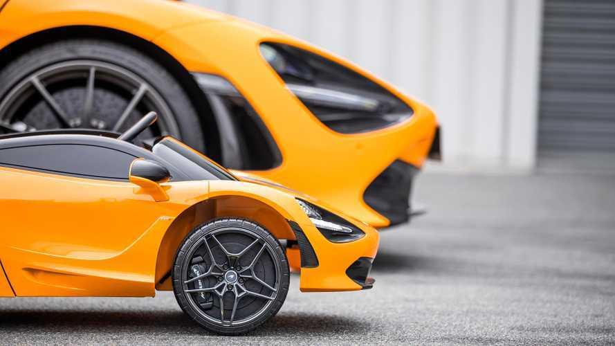 Este McLaren 720S correpasillos es el sueño de cualquier niño