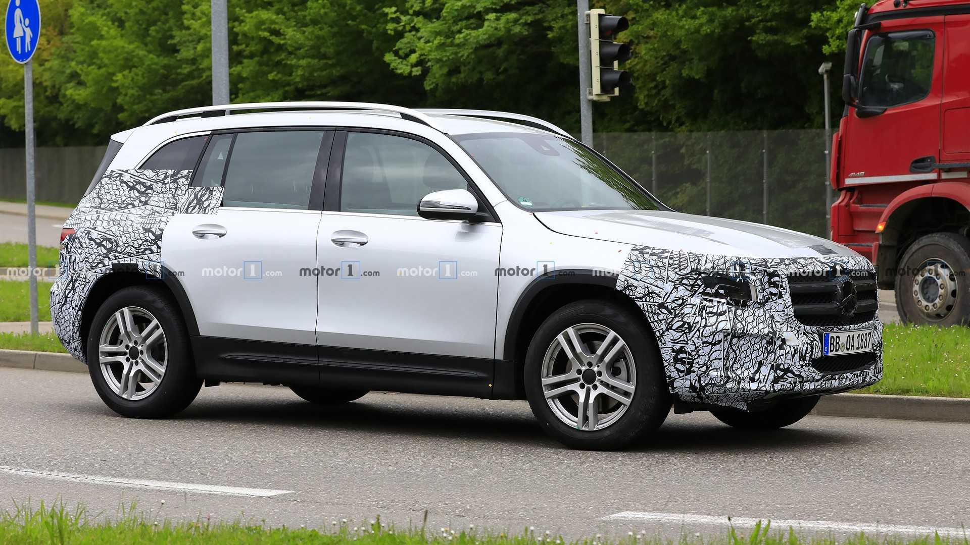 Best Minivan Tires 2020 2020 Mercedes GLB: Our Best Look Yet Thanks To New Spy Shots