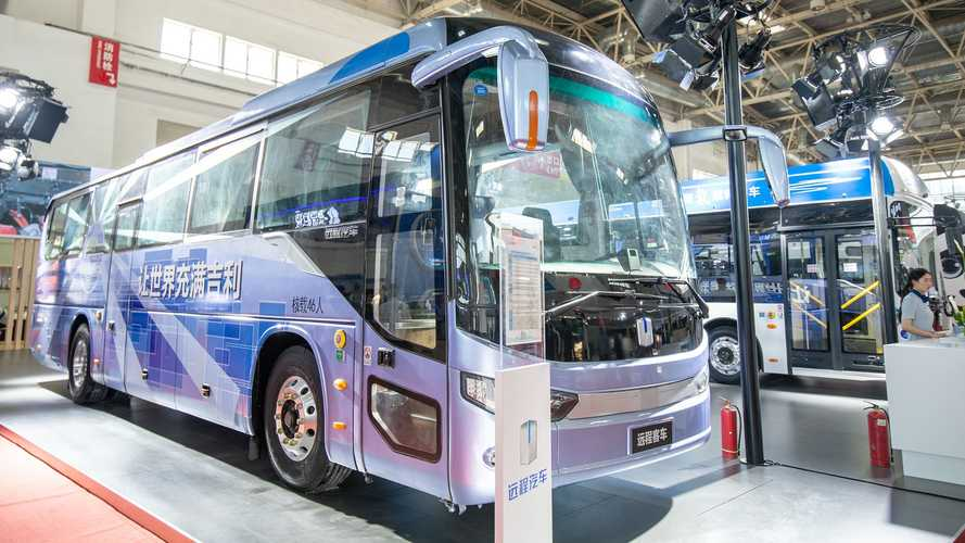 Geely Introduces New Electric Bus And Its First Hydrogen Bus