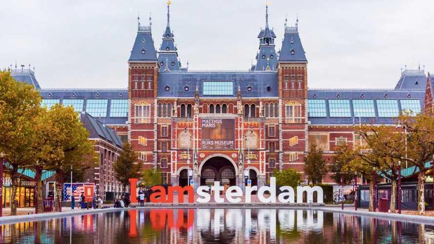 D'ici 2030, Amsterdam n'accueillera plus de véhicules thermiques