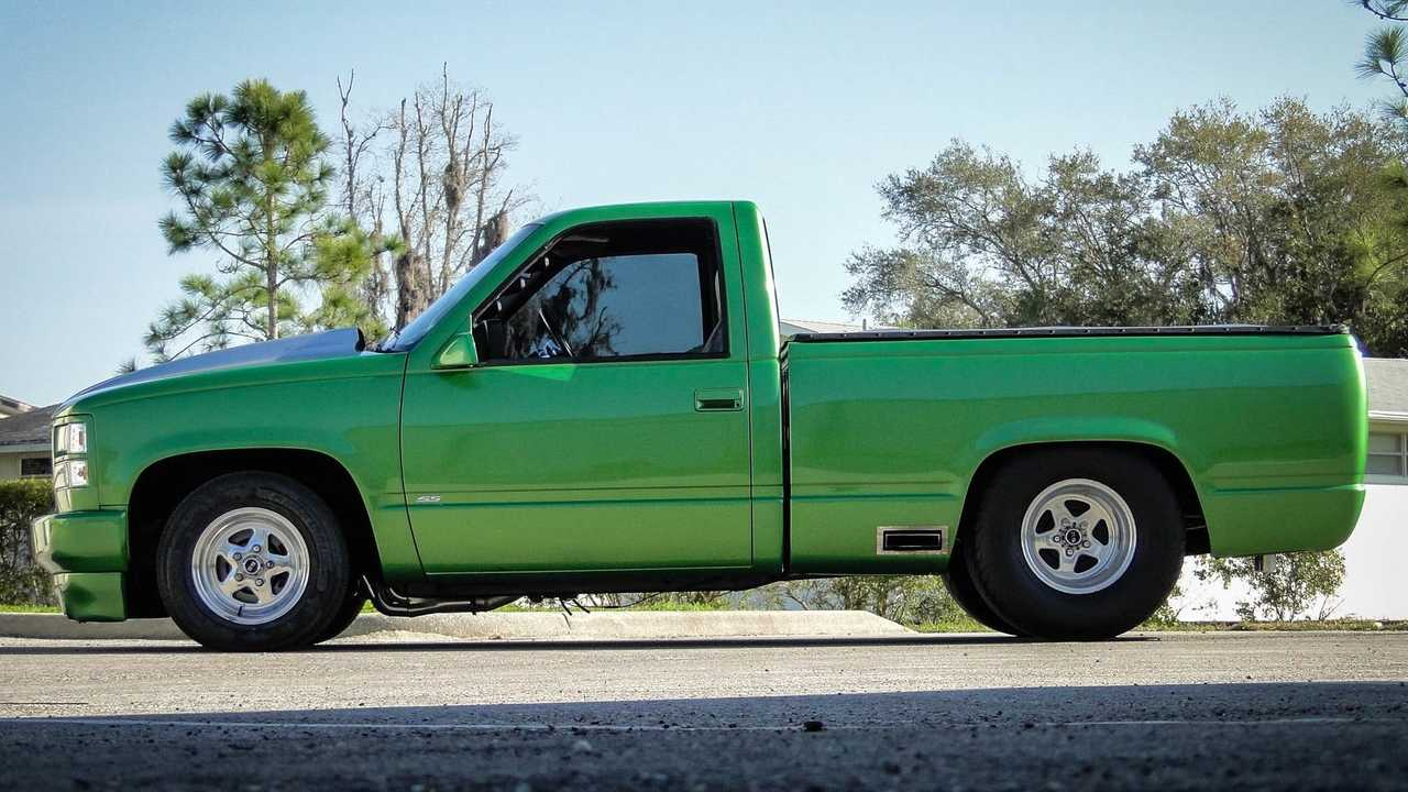 Candy Apple Green: 1989 Chevrolet Silverado 1500 Pro Mod
