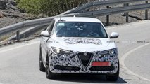 Alfa Romeo Stelvio facelift spy photos