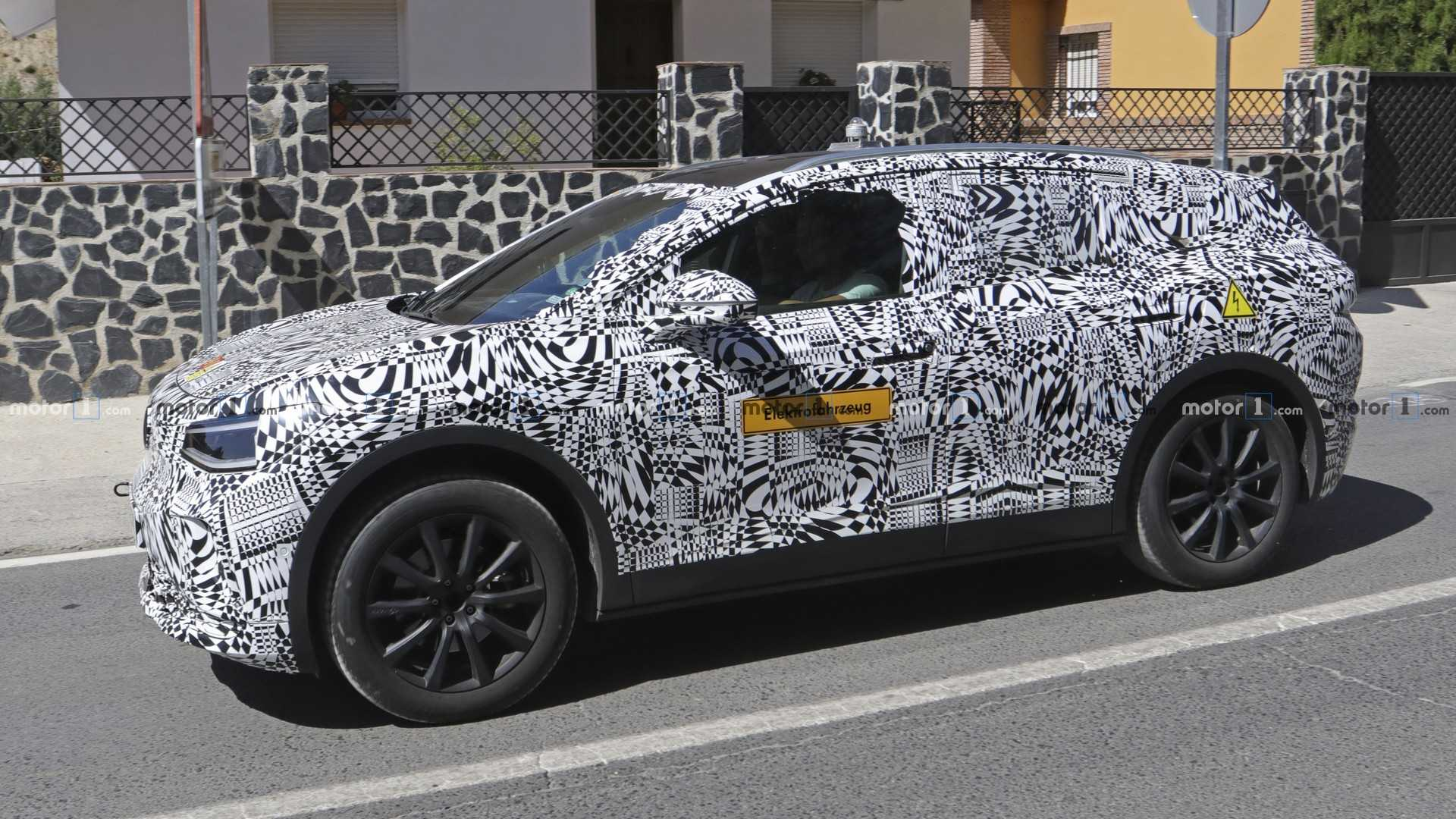 VW ID Crozz Electric Crossover SUV: Design, Release >> Vw I D Crozz Makes Spy Photo Debut With Production Body Update
