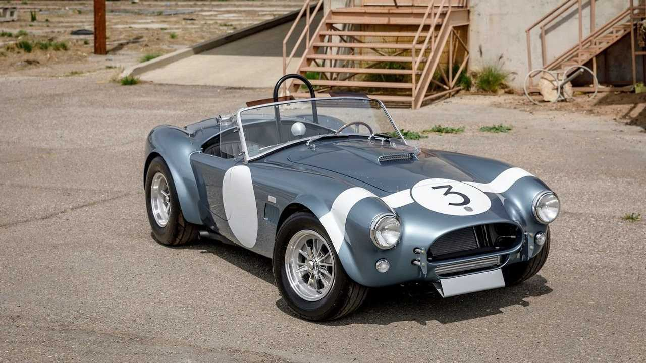 Buy This 1964 Shelby Cobra Bondurant, Get A Free Track Day