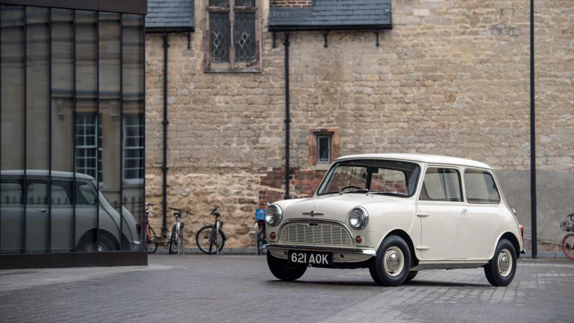 How To Buy The Perfect Classic Mini | Motorious