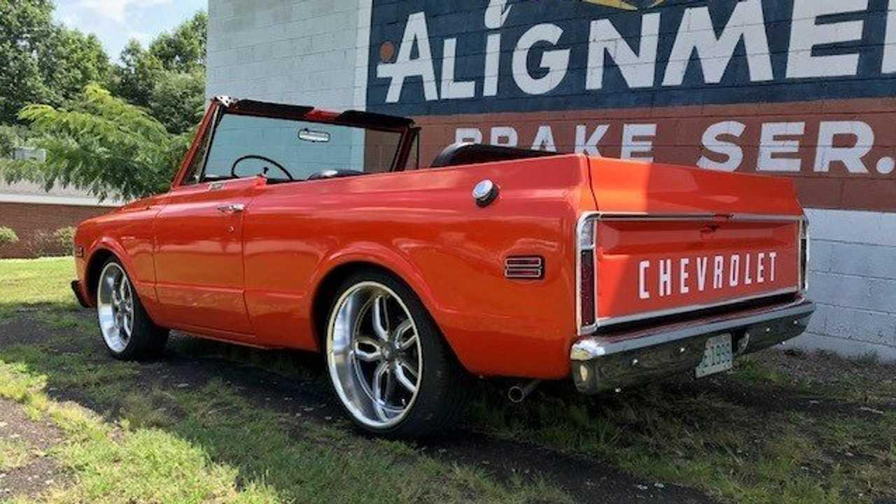 Go Low In This Custom '72 Chevy Blazer C10 2WD