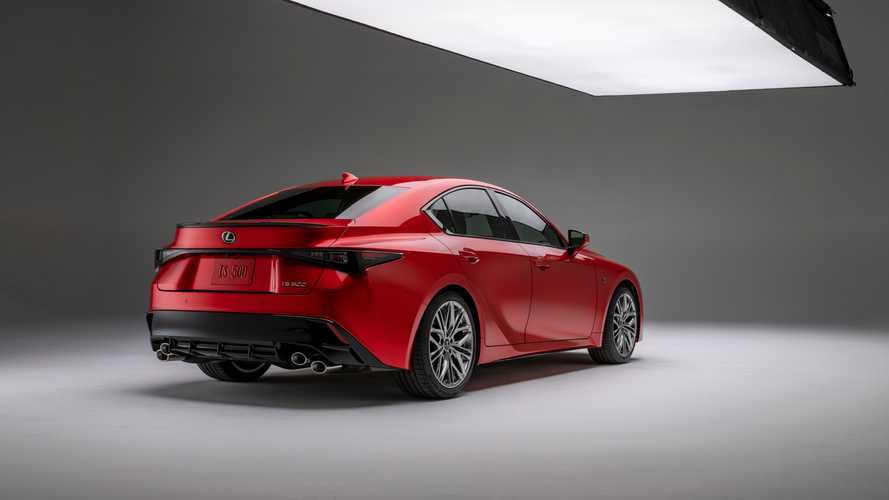 Lexus, yeni IS 500 F Sport'u tanıttı