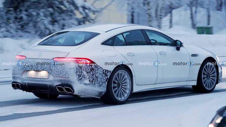 Mercedes-AMG GT73e, foto spia sulla neve