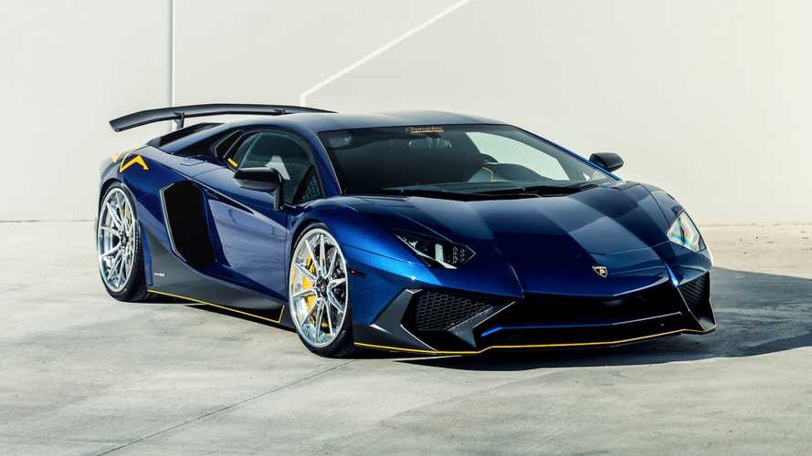 Lamborghini Aventador SV looks extra sleek on 22-inch Vossen wheels