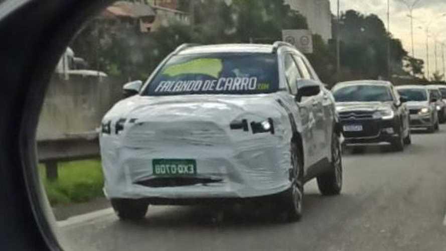 Flagra: Novo Toyota Corolla Cross 2022 está quase pronto para estrear no Brasil