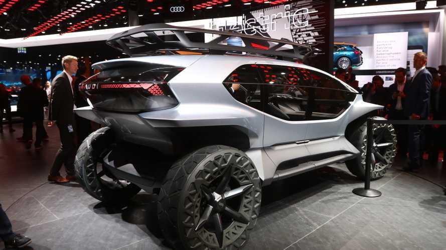 Audi представила внедорожник с дронами вместо фар