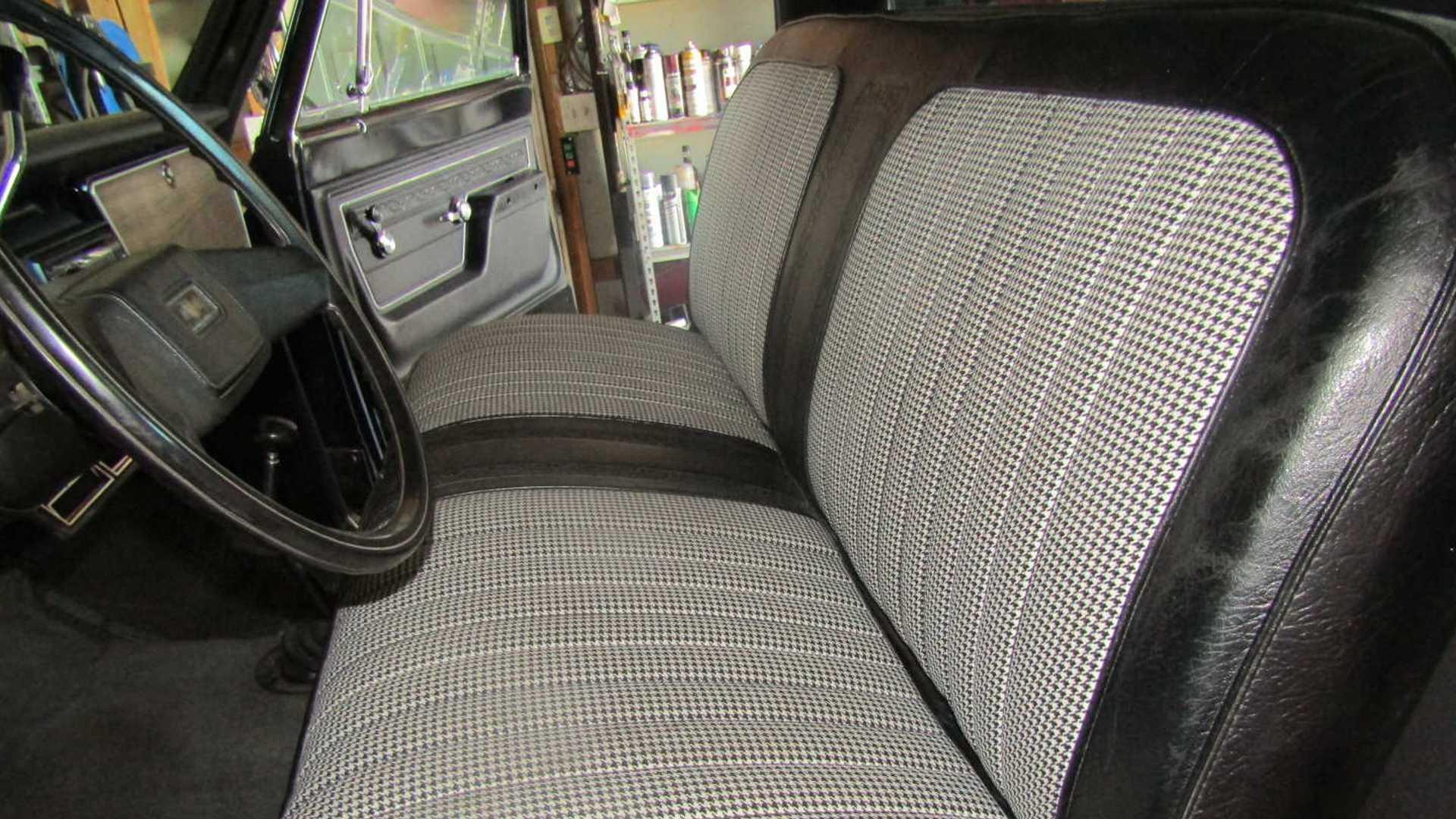 "[""Restored 1972 Chevrolet K10 Up For Grabs""]"