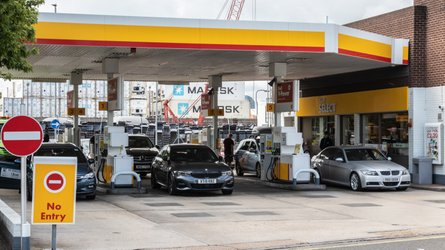 Drivers 'losing out' as retailers overprice petrol by 7p a litre