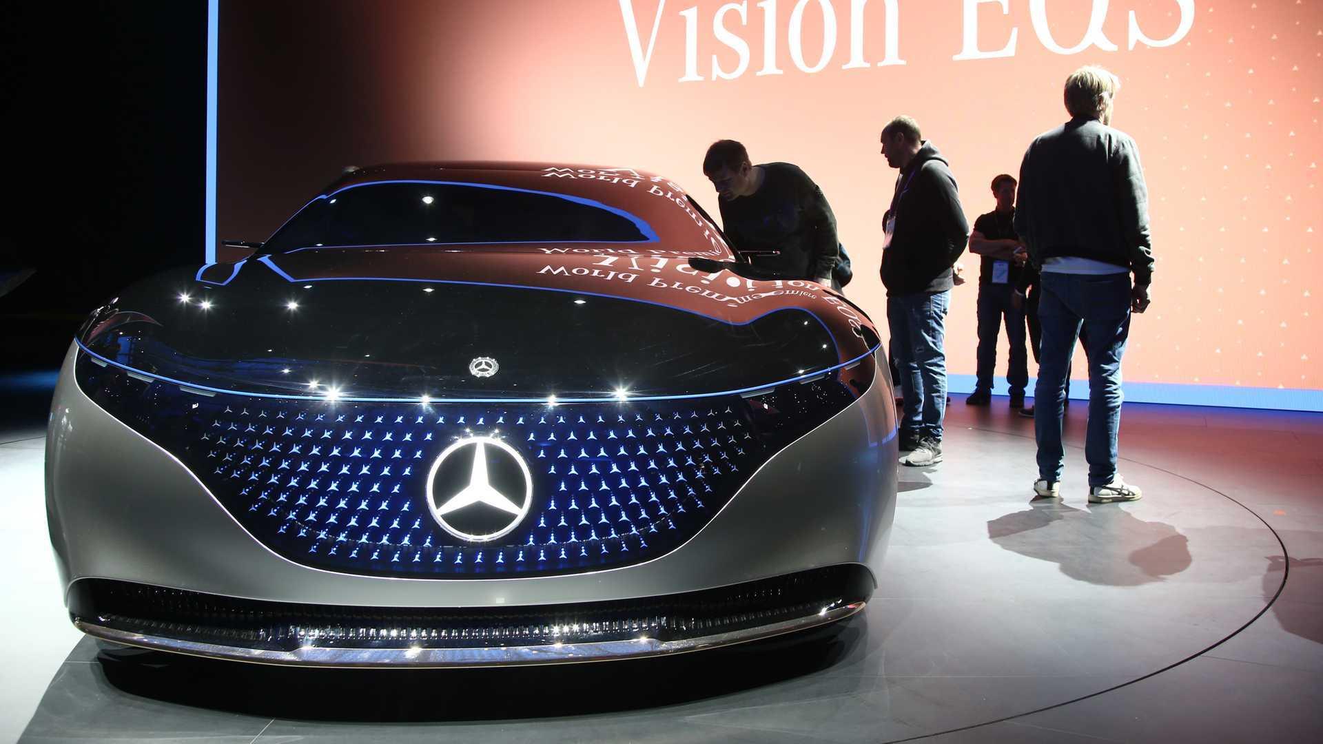 Mercedes Benz Vision Eqs Lights Up The Night In Frankfurt