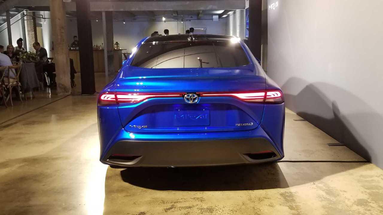 2021 Toyota Mirai Looks Stunning With New Platform