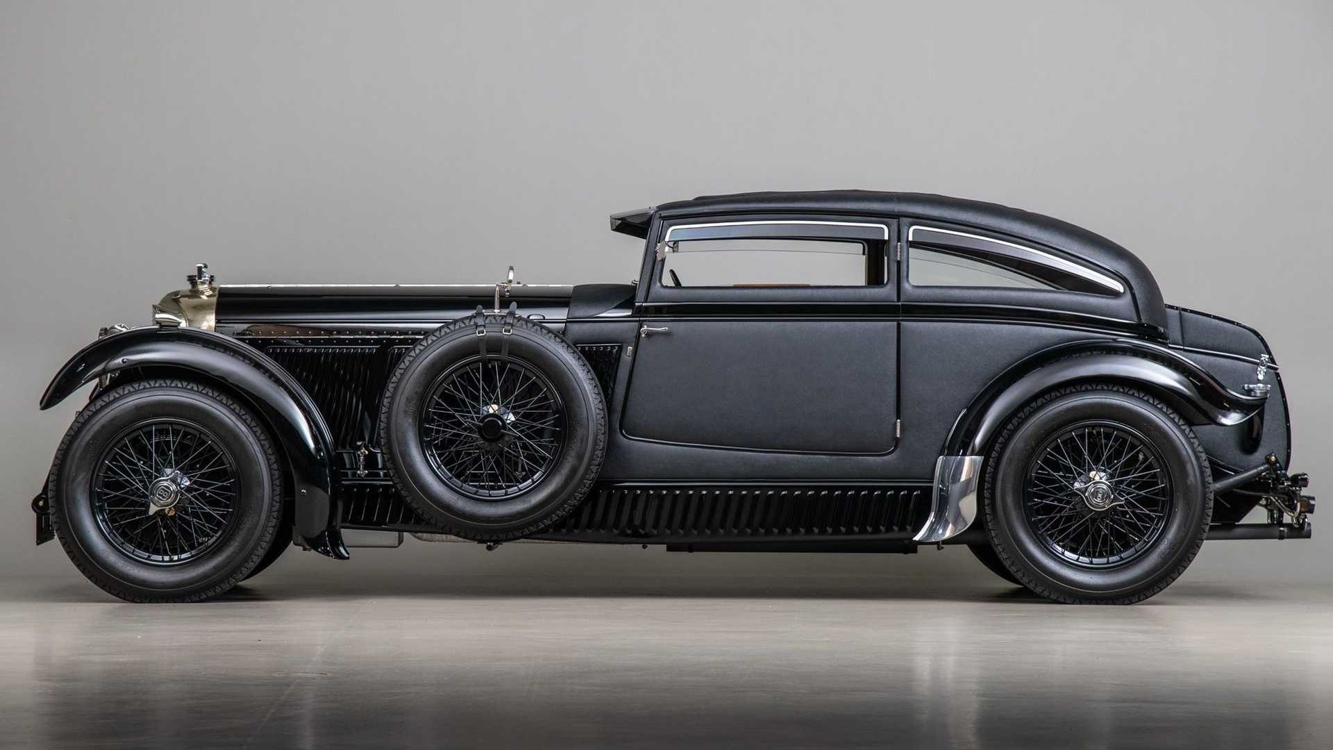 "[""Drop Jaws With This Dramatic 1953 Bentley \""Blue Train\"" Recreation""]"
