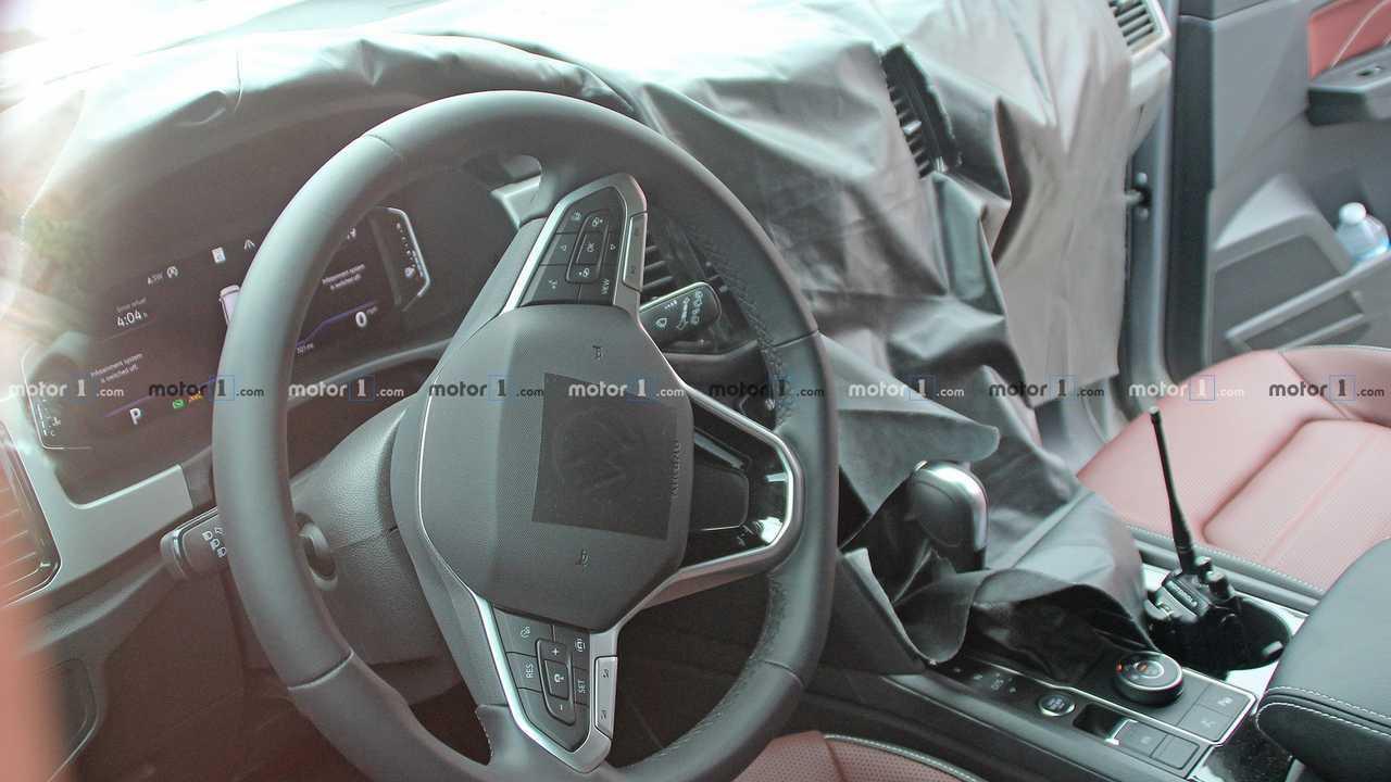 2020 VW Atlas Cross Sport spy photo