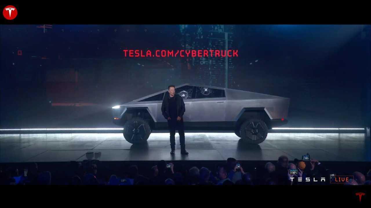 Guarda le immagini della presentazione dal vivo di Tesla Cybertruck
