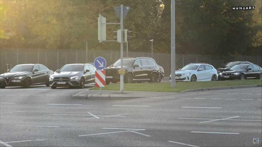 Mercedes-Maybach GLS-Class Spy Screenshot | Motor1.com Photos
