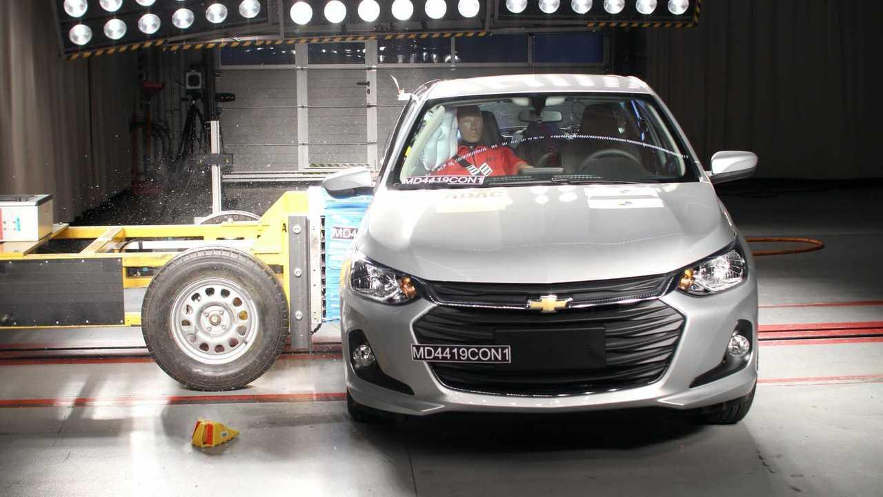 Chevrolet Onix Hatch e Mitsubishi L200 - Latin NCAP