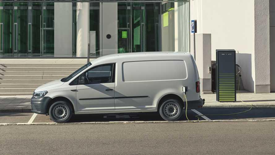 Volkswagen e-Caddy, ecco i prezzi dello small van elettrico