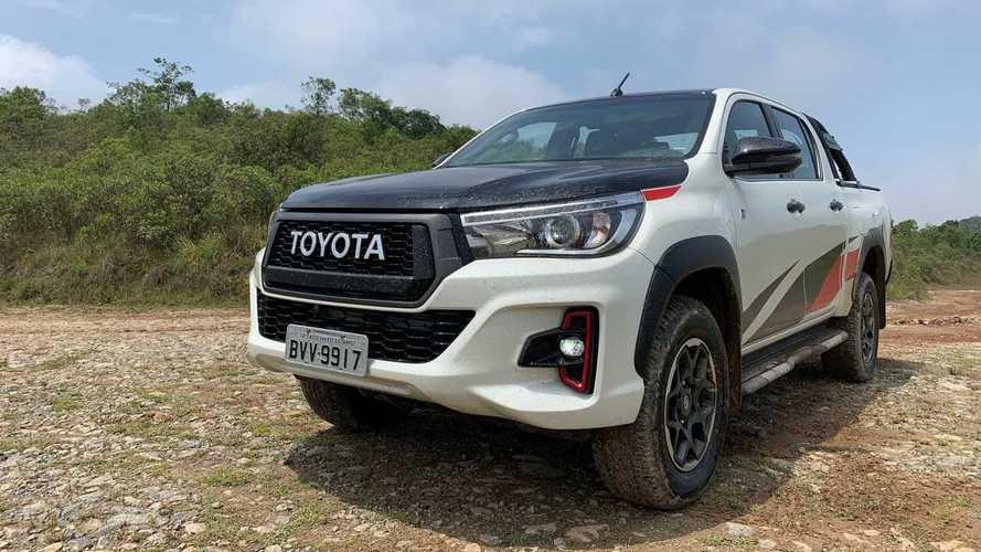 Vídeo: Levamos a Toyota Hilux GR-S turbodiesel para a terra