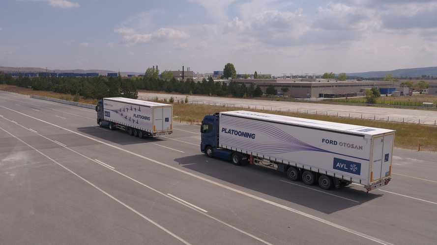 Ford Otosan, çekicileri üzerinde yeni otonom konvoy sistemini gösterdi