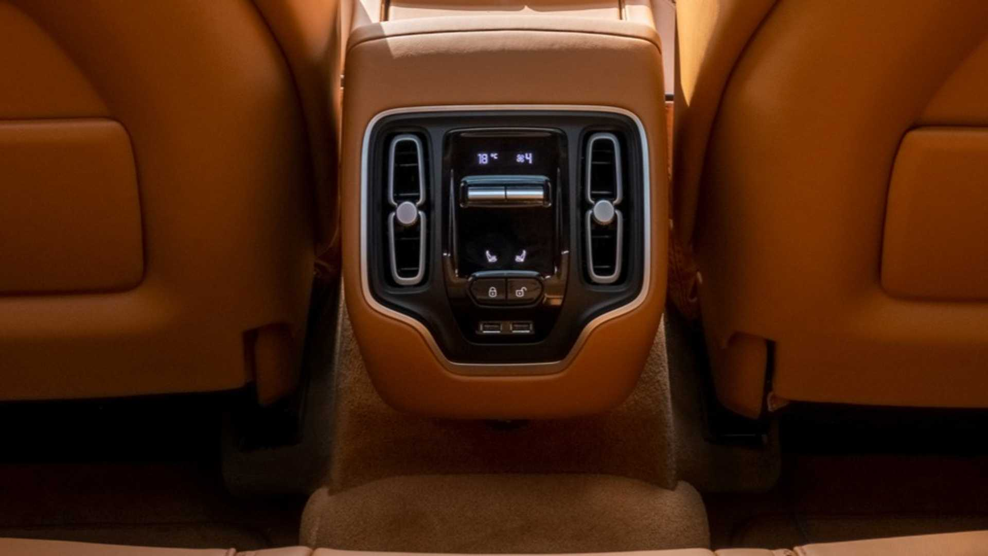 Aston Martin Dbx Interior Insideevs Italia Foto