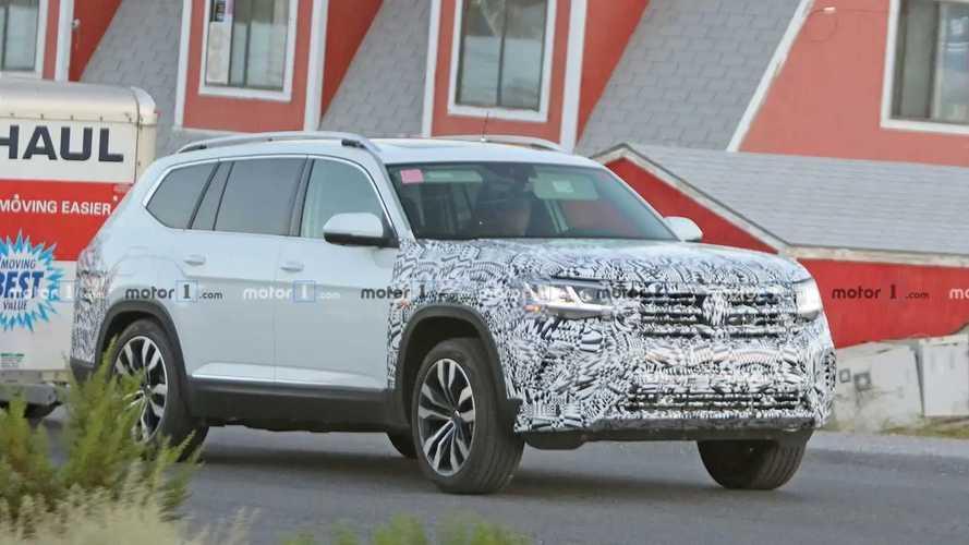 Volkswagen Atlas Facelift Spy Photos