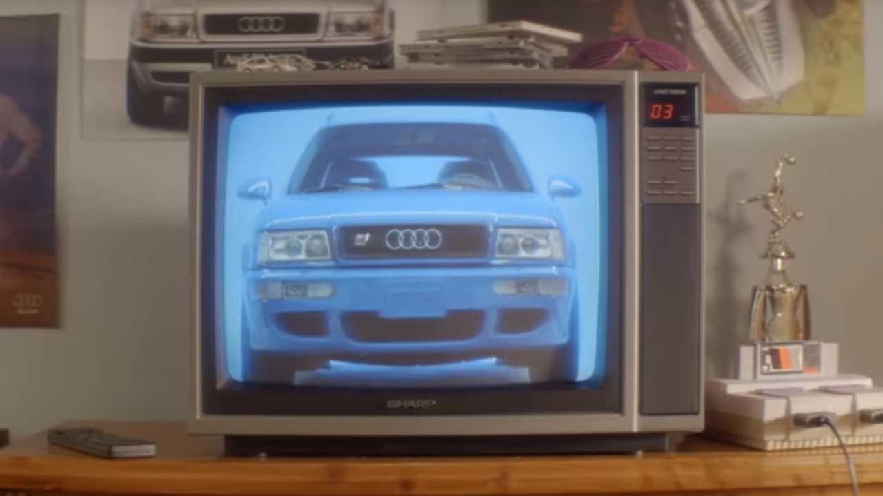Audi RS2 Avant ad