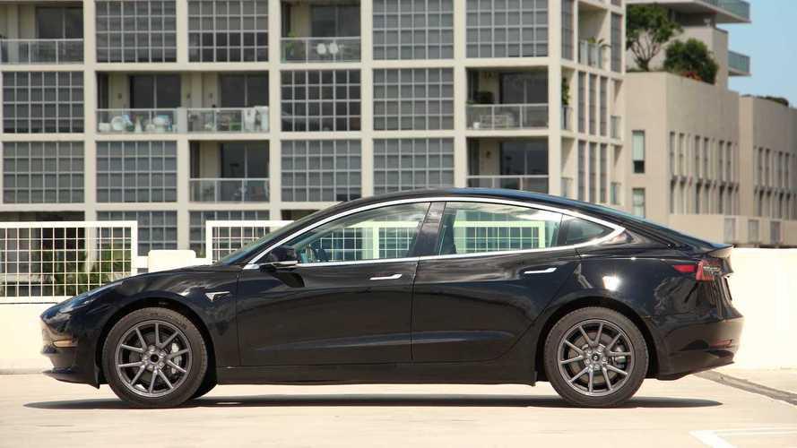 2019 Tesla Model 3: Comparison