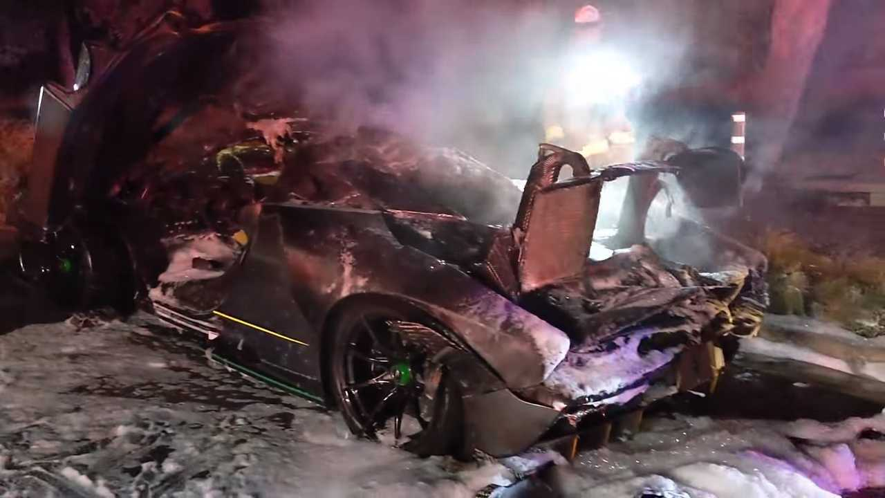 Salomondrin's McLaren Senna going up in flames
