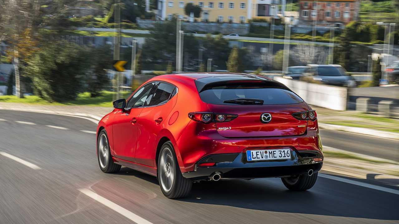 Nuova Mazda3, prova su strada
