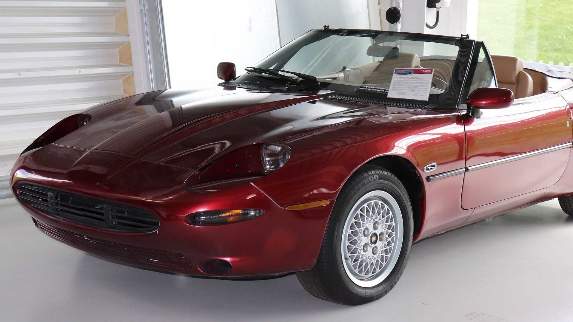 "[""Jaguar XJ42 Prototype""]"