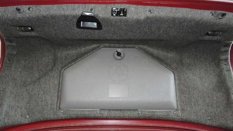 Des BMW Série 5 E34 neuves découvertes en Bulgarie