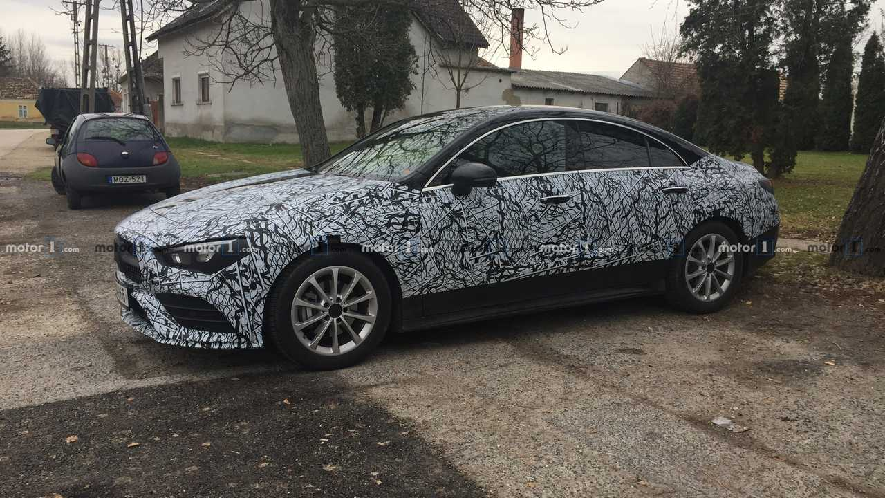 2019 Mercedes CLA casus fotoğraf