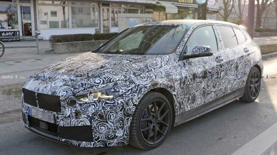 BMW 1er (2019) mit Innenraum erwischt