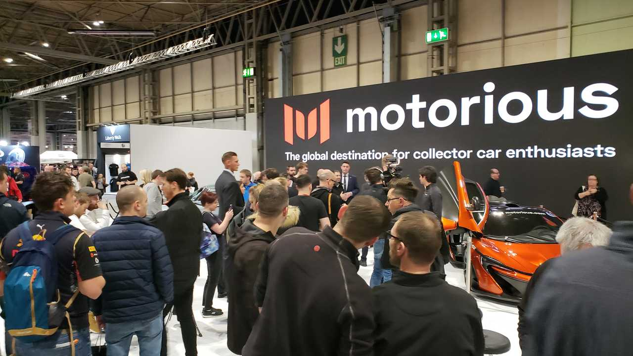McLaren visits Motorious
