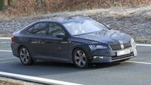 2019 Skoda Superb facelift spy photo
