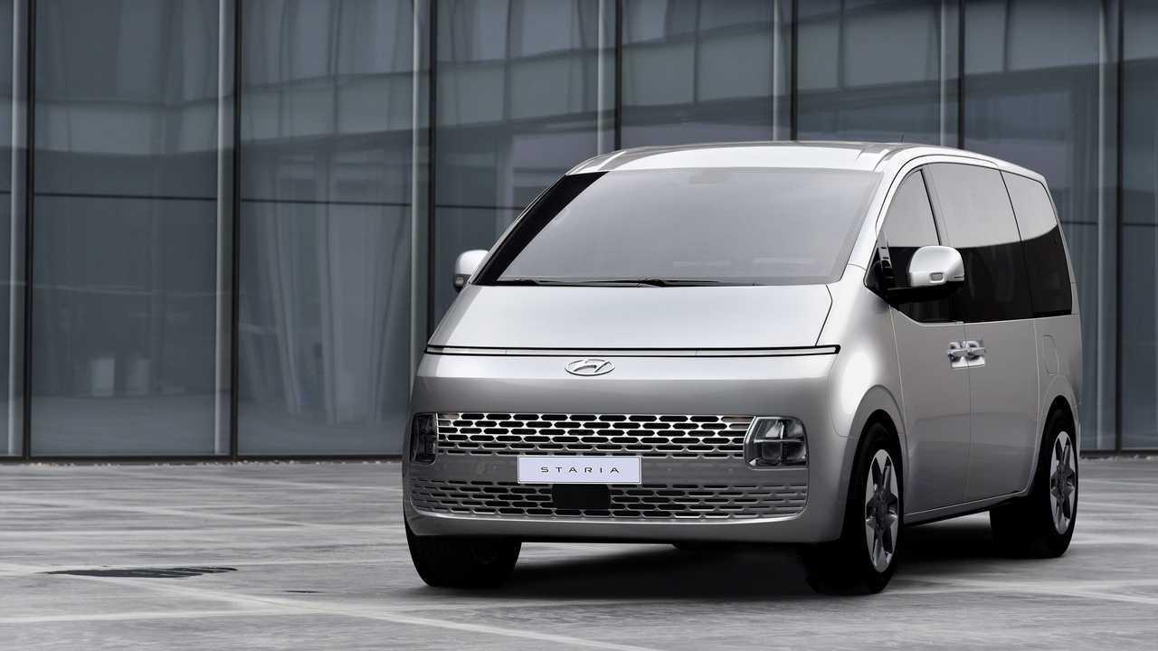 Hyundai полностью раскрыла дизайн нового минивэна Staria