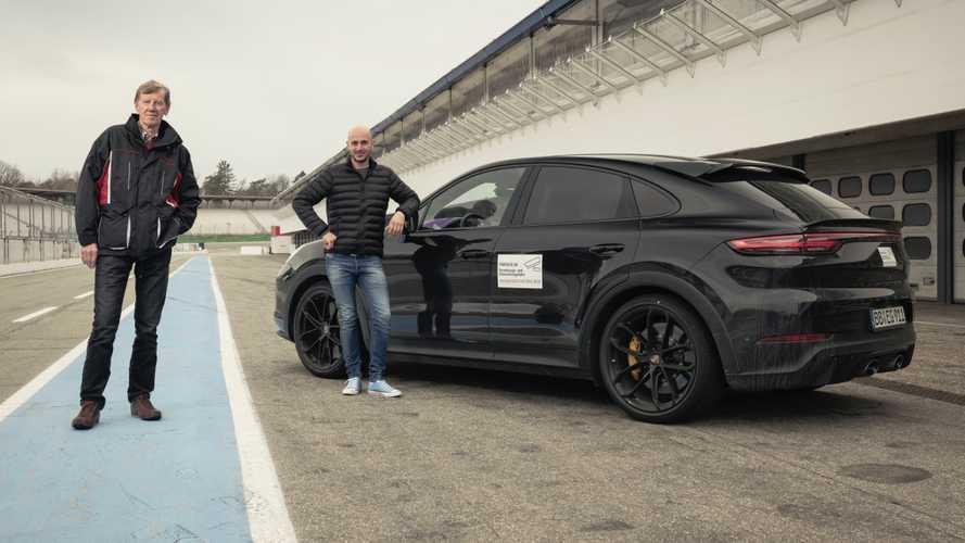 Masih Ditutup Stiker, Porsche Cayenne Terbaru Diuji Walter Rohr