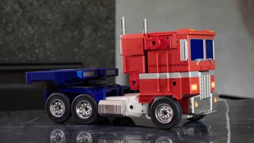 Sesle kontrol edilebilen bu Transformers figürü aklınızı alacak!