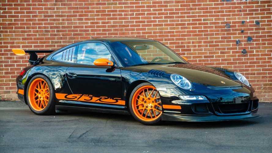 Ha valaki pályán akar kocsikázni, egy ilyen Porsche 911 GT3 RS a tökéletes választás