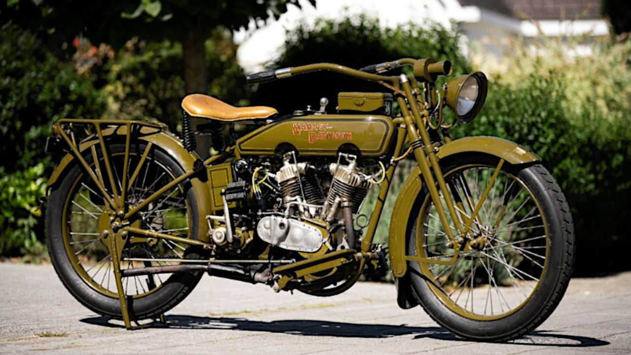 1919 Harley-Davidson with 3D printed distributor cap