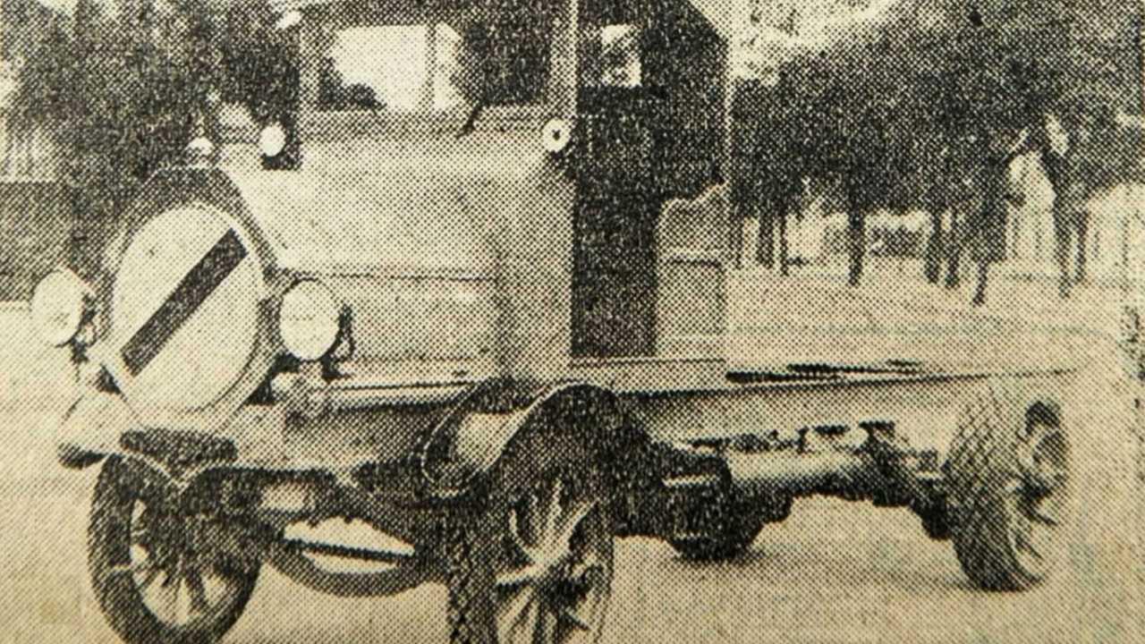 Foto do caminhão Bandeirante, considerado 1º veículo do Brasil
