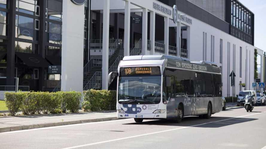 Bolzano a tutto idrogeno: nuova stazione di rifornimento e 12 bus