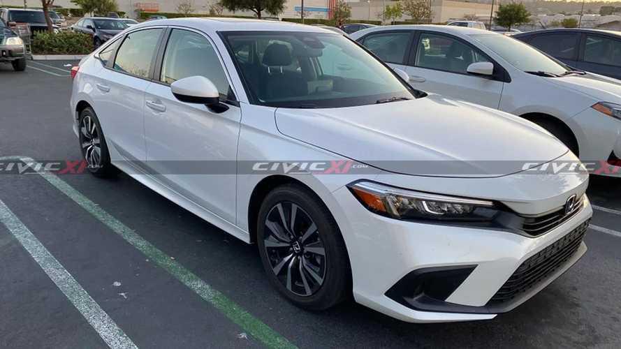 Flagra: Honda Civic 2022 aparece nas ruas após apresentação