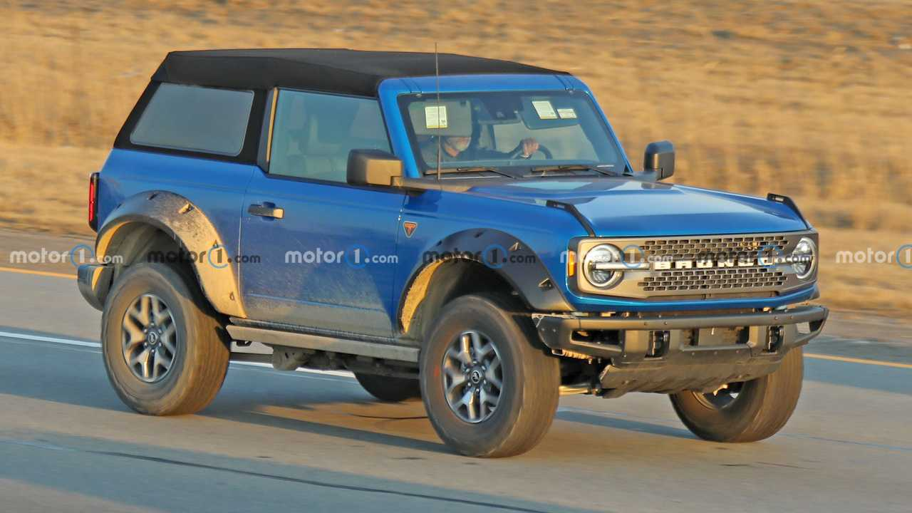 Ford Bronco spy photos reveal new fender flare designs.