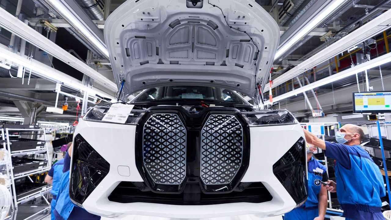 BMW iX Production Start