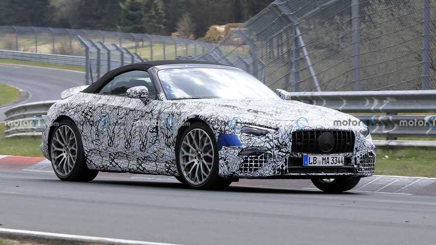 2022 Mercedes SL Drops Some Camo In New Spy Photos